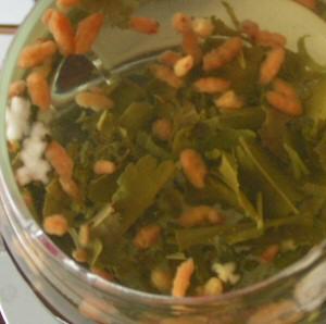 Genmaicha — Japanese green tea with roasted rice.